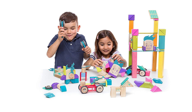 Tegu - Sticky Monsters - Pip - Παιδιά παίζουν με τα τουβλάκια Tegu
