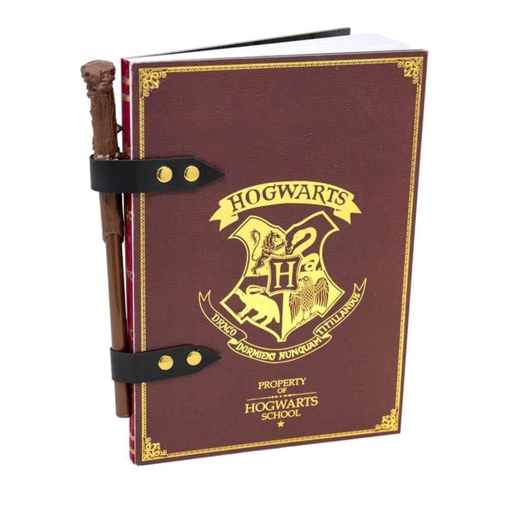 Harry Potter - Σετ με σημειωματάριο και μολύβι σε σχήμα μαγικού ραβδιούHarry Potter - Σετ με σημειωματάριο και μολύβι σε σχήμα μαγικού ραβδιού
