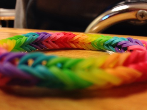 Rainbow Loom Χρωματιστό Βραχιόλι