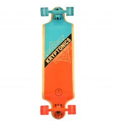 Kryptonics 32'' Triangles Drop Down Longboard σε όρθια θέση